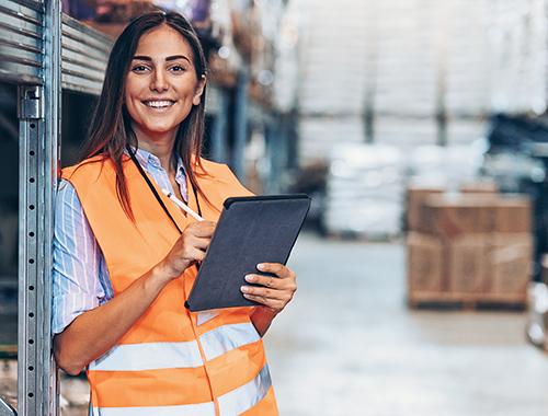 Warehousing-worker_Sydney-Labour_home